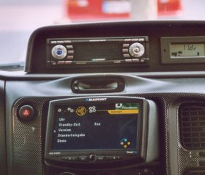 Digitalradio und Navigationsgerät