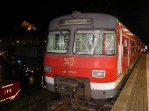 Verunglückter S-Bahn-Triebwagen.
