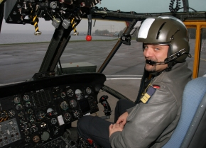 Kammer ist selbst erfahrener Hubschrauberpilot.