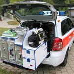 Das medizinische Equipment lagert auf einem Heckauszug. Foto: BRK KV Nordschwaben