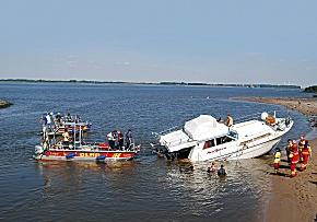 DLRG bei einer Bootsbergung (Foto: DLRG)