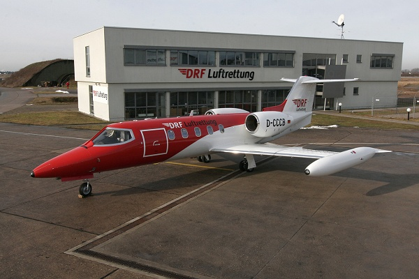 Neuer Learjet der DRF Luftrettung am Operation-Center (Foto: DRF)