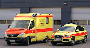 Neu beim Rettungsdienst Ammerland: NEF (rechts) und einer von zwei RTW. Foto: Rettungsdienst Ammerland GmbH