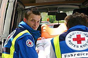 Zivildienstleistender im Fahrdienst (Foto: BRK BGL)