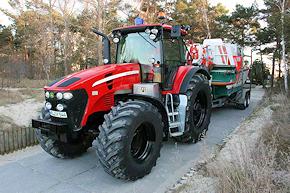 Neu auf der Insel Usedom: Traktor John Deere 7730 der DGzRS-Station Zinnowitz. Foto: DGzRS