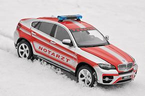 Neues Sammlermodell von Schuco: NEF auf BMW X6. Foto: Michael Rüffer
