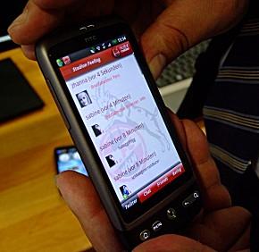 Anwendungsbeispiel: Eine Fan-App für den 1. FC Köln mit Notfallmeldefunktion.