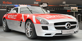 Hingucker bei Mercedes: NEF auf 571 PS starkem SLS AMG. Foto: Michael Rüffer