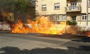 Gasleitung brennt (Foto: Berufsfeuerwehr Mainz)