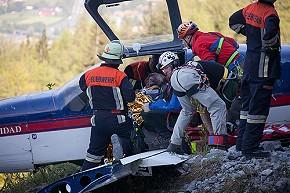 Rettung am Flugzeugwrack (Foto: BRK)
