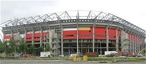 Tragischer Bauunfall bei der Vergrößerung des Grolsch Veste-Stadions in Enschede. (Foto: Mark92/GNU)