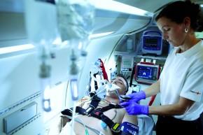 Rega hebt mit Hamilton-T1 ab. (Foto: Hamilton Medical)