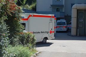 Die Notaufnahme und Rettungswache an der Rems-Murr-Klinik war ohnehin zu eng. Nun fördert das Land einen Wachenneubau. (Foto. Jörn Fries)