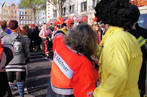 Rosenmontagszug Köln: Tausende von Jecken feierten hier Karneval. Foto: BF Köln