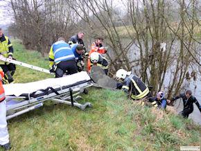 In Reutlingen wurde eine Frau aus dem Neckar gerettet. Foto: BF Reutlingen