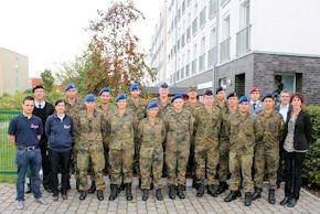 Die 15 Feldwebelanwärter kommen überwiegend aus dem Sanitätsdienst sowie den Teilstreitkräften Heer und Marine.