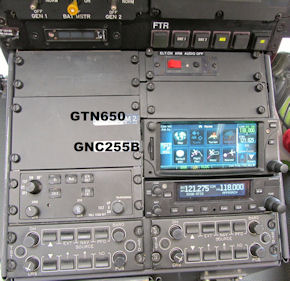 Mit dem neu entwickelten Navigations- und Funksystem können künftig dreimal so viele Funkkanäle genutzt werden. Foto: DRF Luftrettung