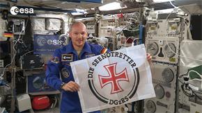 DGzRS_Alexander Gerst_Weltraumflagge