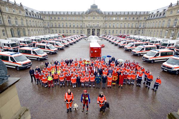 Feierliche Fahrzeugübergabe für den Katastrophenschutz in baden-Württemberg. Foto: Innenministerium Baden-Württemberg