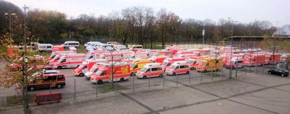 Bereitstellungsraum auf dem Gelände der Messe Düsseldorf. Foto: FW Mülheim an der Ruhr