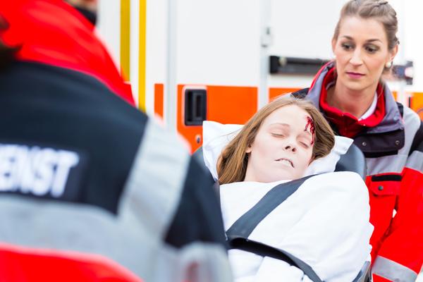 Jede Rettungsfachkraft im Notfalleinsatz sollte ihr Aufgabengebiet kennen. Foto: fotolia/Kzenon
