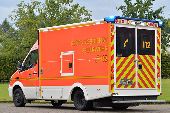 Den Aufbau des Rettungswagens fertigte WAS. Foto: Michael Rüffer