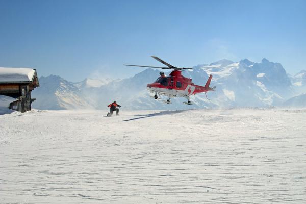 Rettungshubschrauber der REGA im Einsatz. Foto: fotolia/Schlierner