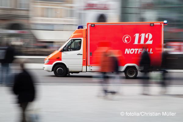 Berliner Rettungsdienst im Ausnahmezustand. Foto: fotolia/Christian Müller