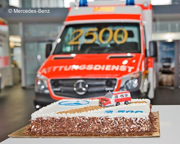 2.500ster Mercedes Sprinter an den Rettungsdienst in Bayern ausgeliefert. Foto: Mercedes-Benz