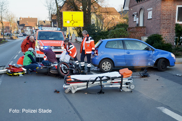 Rettungsdienst_Motorrad_Unfall_RTH
