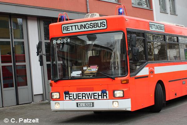 Symbolfoto_Feuerwehr_Koeln_Rettungsbus