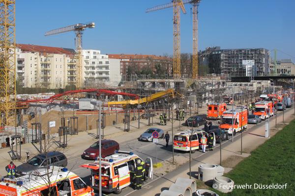 Schwerer Arbeitsunfall in Düsseldorf. Foto: Feuerwehr Düsseldorf
