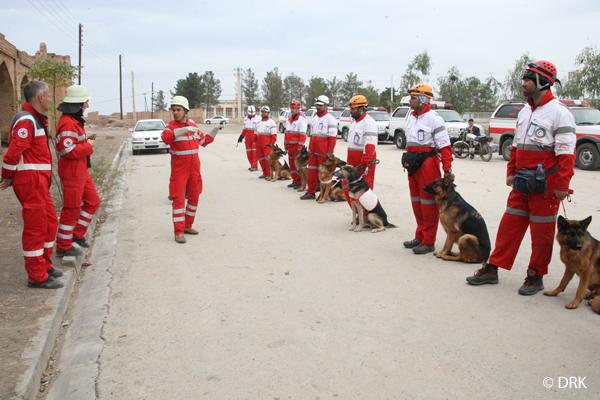 Training für Rettungshunde des Iranischen Roten Halbmonds (Search and RescueTraining), unterstützt vom Deutschen Roten Kreuz in Saveh / Iran - 17.11.2015