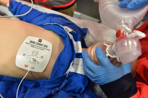 AED, Defibrillator, Kindernotarzt, Reanimation Richtlinien