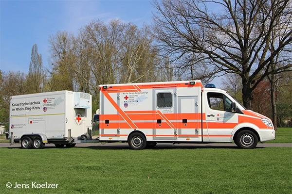 Umgebauter Rettungswagen RTW auf Mercedes Sprinter mit Anhänger